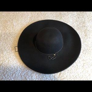 BCBG black wool hat w/tags